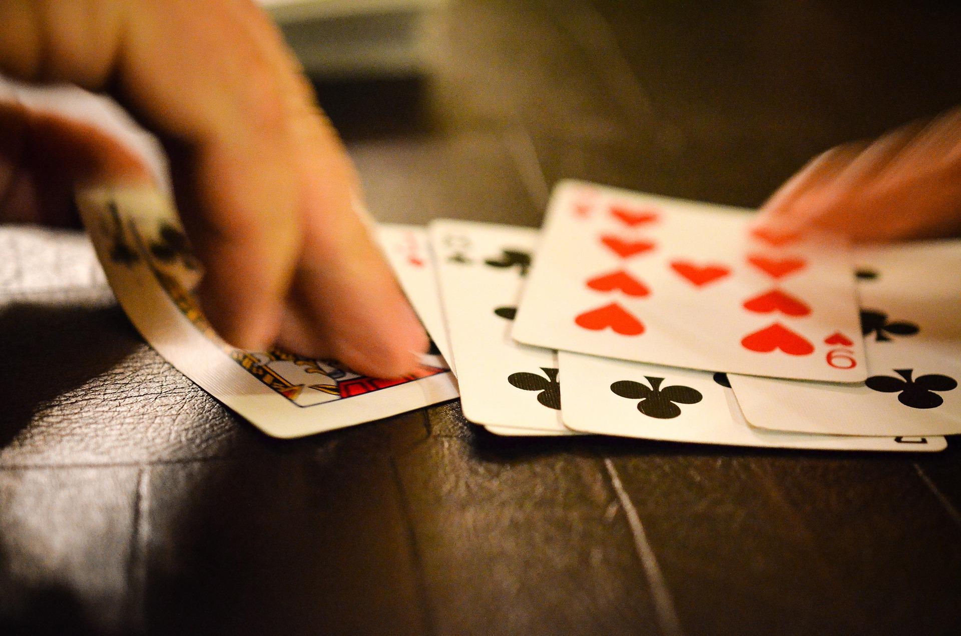 sens du jeu 32 cartes ordinaires